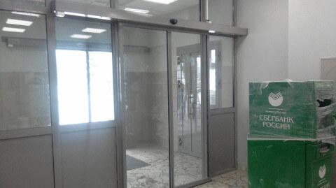 дверь автомат сбербанк